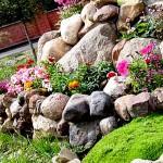 Использование натурального камня в дизайне сада